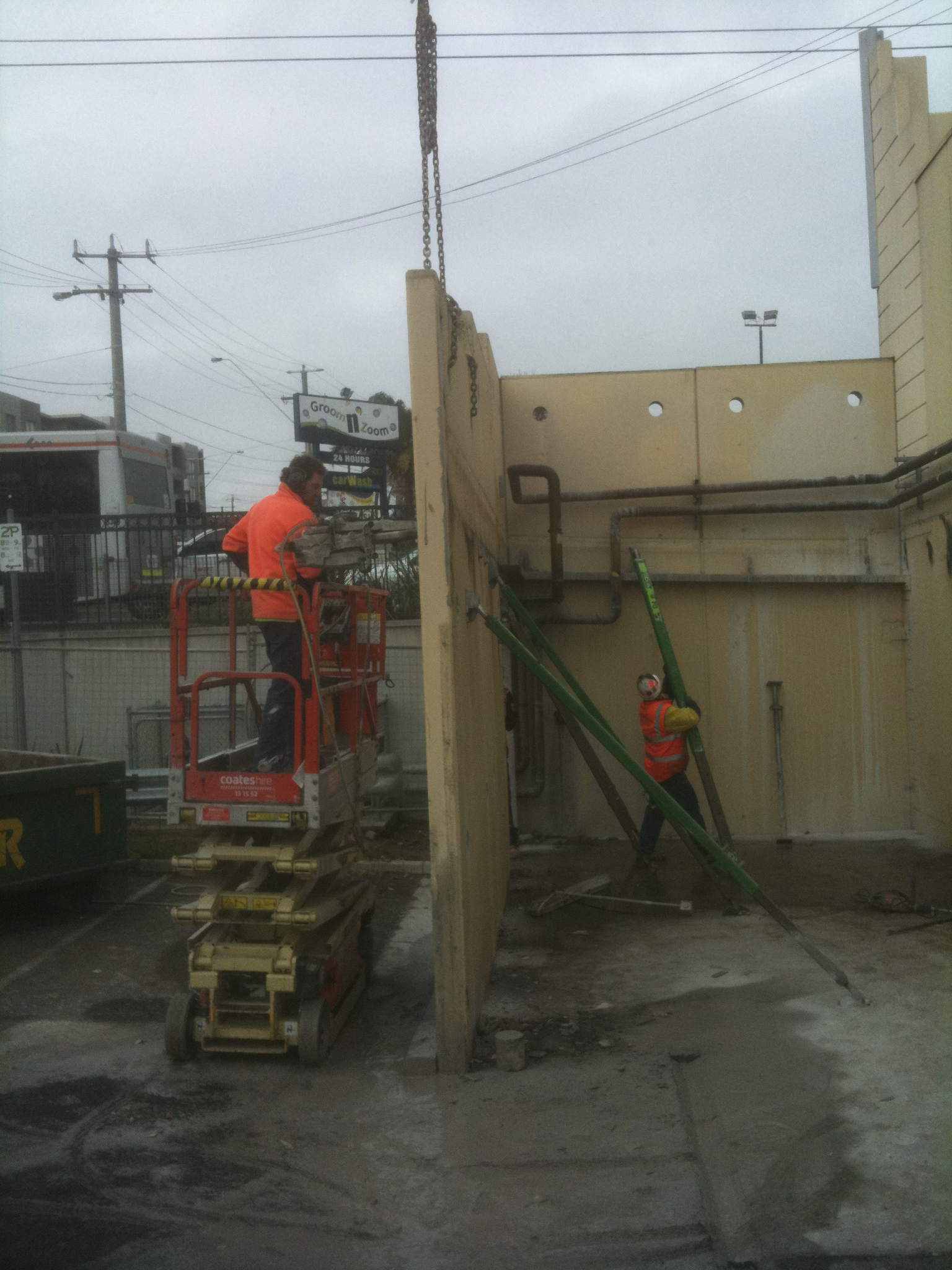 Prefab wall instalation - JFK Mobile crane hire and rigging