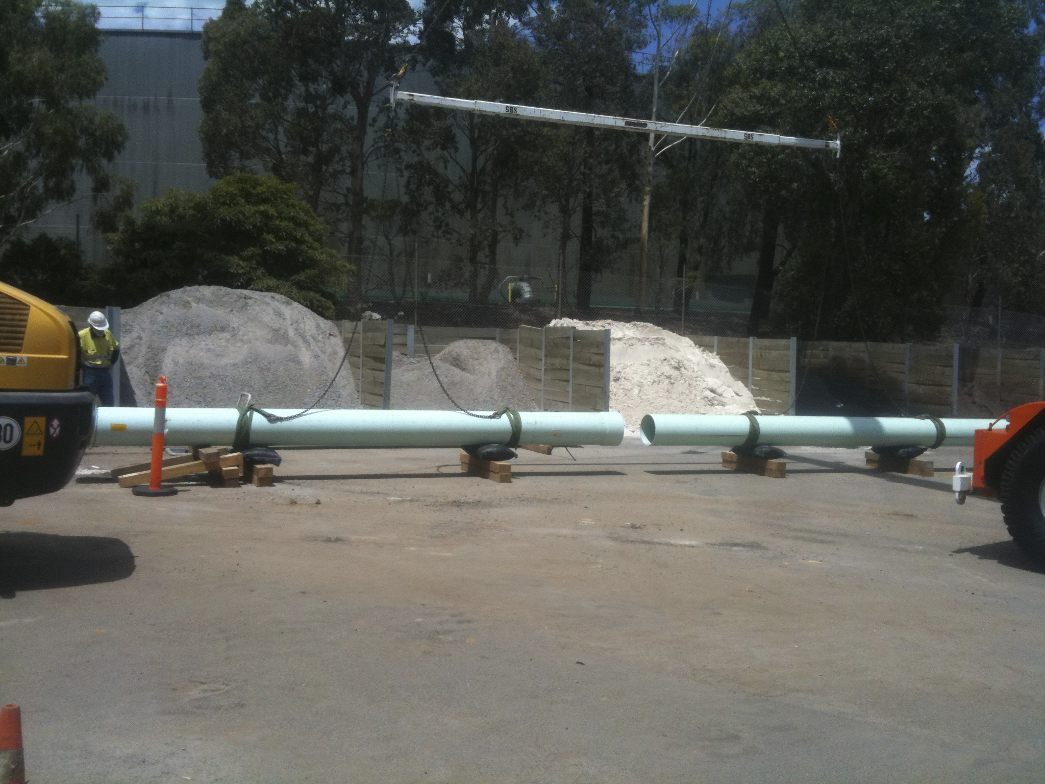 Rigging and lifting pipes - JFK Mobile crane hire and rigging Melbourne
